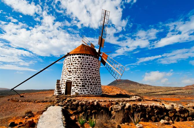 Fuerteventura Discover 10 idyllic islands in Spain